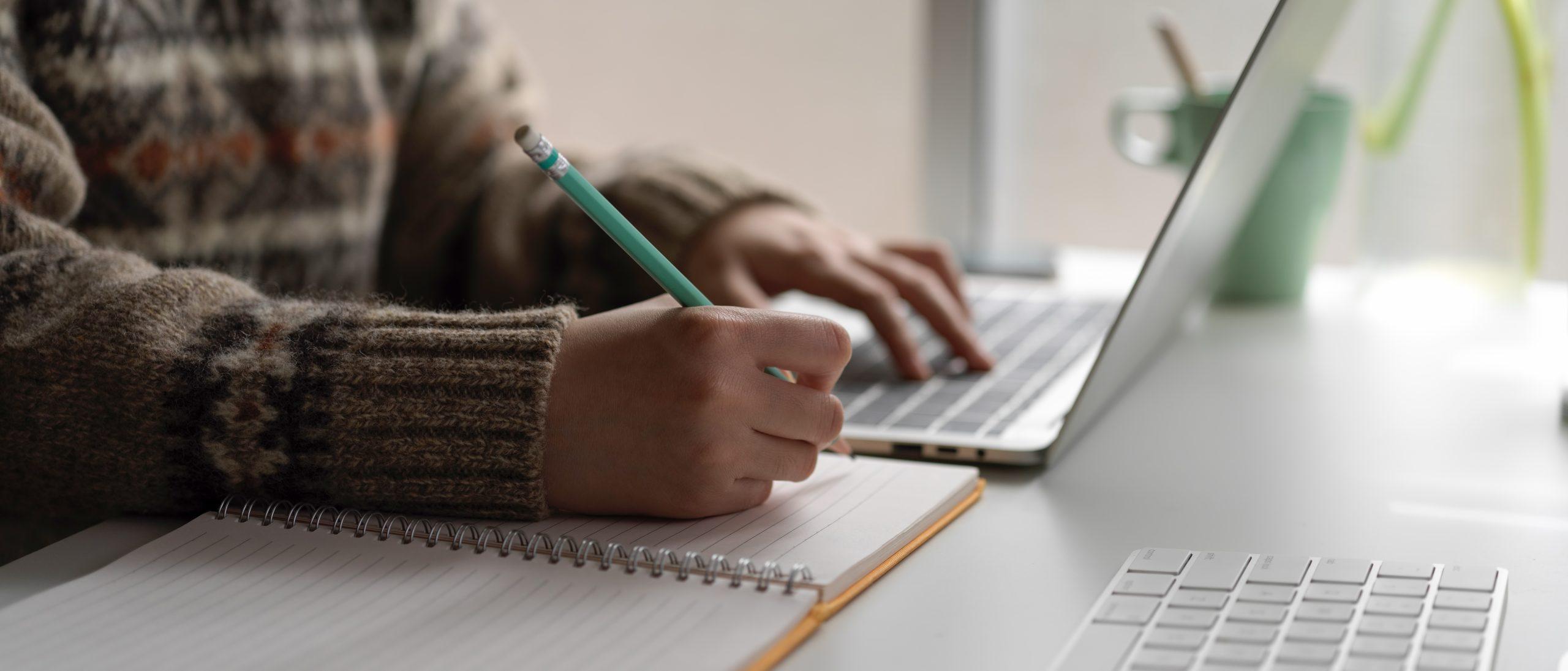 Ik werk vanuit huis als tekstschrijver